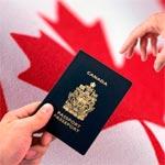الحكومة الكندية توقف منح التأشيرات للأشخاص القادمين  من البلدان الأكثر تضررا بالإيبولا