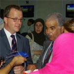 L'ambassadeur du Canada salue les voyageurs vers Montréal à bord du nouveau vol Syphax