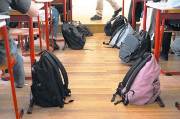 Attribution d'aides financières aux élèves et étudiants de Kasserine