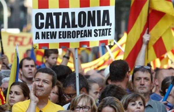 مدريد تهدد كتالونيا بـ ''الحكم الذاتي''