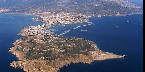 Maroc : des centaines de migrants ont forcé la frontière à Ceuta