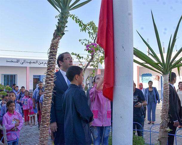 En photos : Visite de Youssef Chahed à l'école primaire ''Cité Chaker'' de Borj Touil