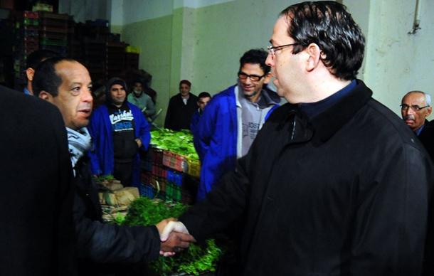 رئيس الحكومة يؤدي زيارة ميدانية إلى سوق الجملة ببئر القصعة