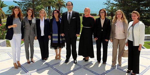 Photo du jour : Un chef et 8 femmes ministres et secrétaires d'Etat