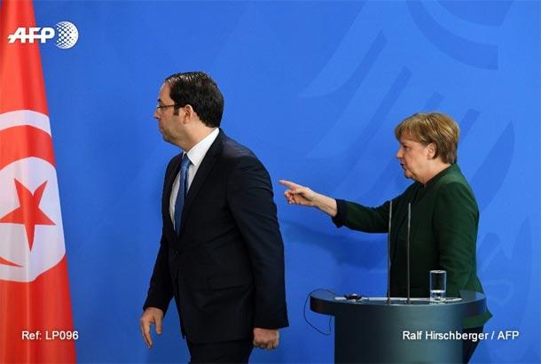 Chahed-Merkel à propos de l'expulsion des migrants : la photo qui résume la situation