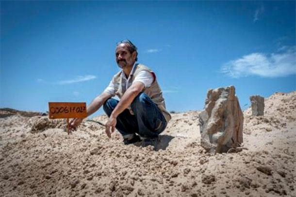 Chamseddine Marzoug, l'homme qui donne une sépulture aux migrants morts en mer