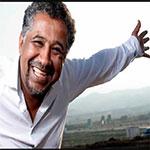 Cheb Khaled raccroche les gants et revient vers Dieu avec un Hymne au Pardon « عفوك »