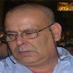 مدير سابق للتلفزة الوطنية يعلن دخوله في اضراب عن الطعام في الطريق العام ويهدد بحرق نفسه