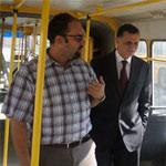 بالصور : شهاب بن أحمد يؤدي زيارة فجئية إلى مستودع الحافلات بأريانة