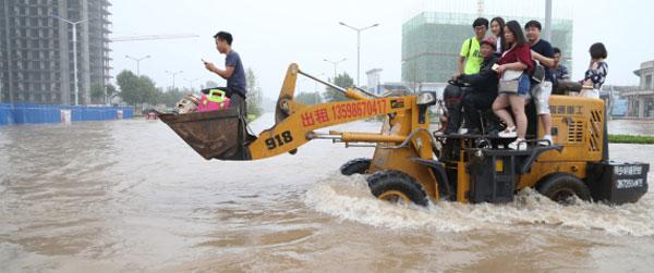 أمطار الصين العظيمة: دمّرت 50 ألف منزل وأجلت 16 مليون إنسان وقتلت العشرات