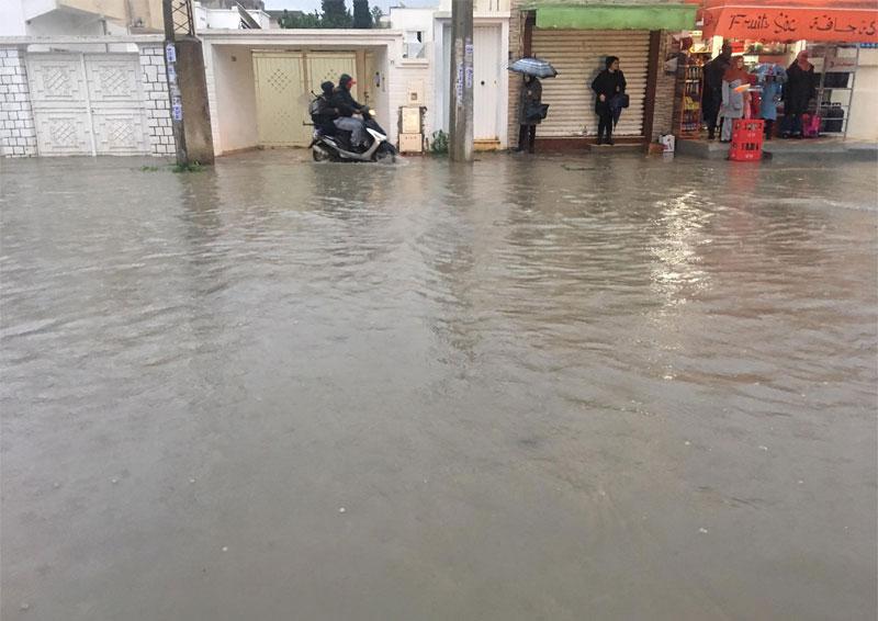 بالصور: مياه الأمطار تغمر شوارع مدينة الزهراء بالضاحية الجنوبية