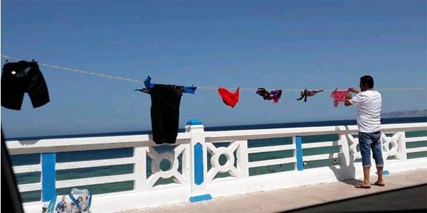 Photo du jour : Du linge étendu sur la corniche de Bizerte