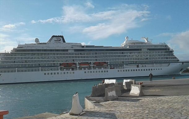 Port de la Goulette : Arrivée du premier bateau de croisière pour l'année 2017