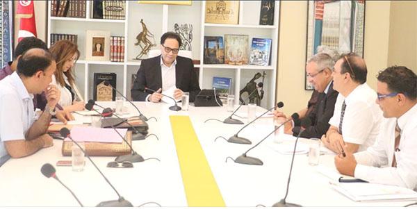 تهرب الفنان الأجنبي من دفع الضرائب في تونس: وزير الثقافة يتدخل