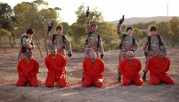 بينهم طفل تونسي: كتيبة إعدام من صبية داعش تصفي 5 أسرى