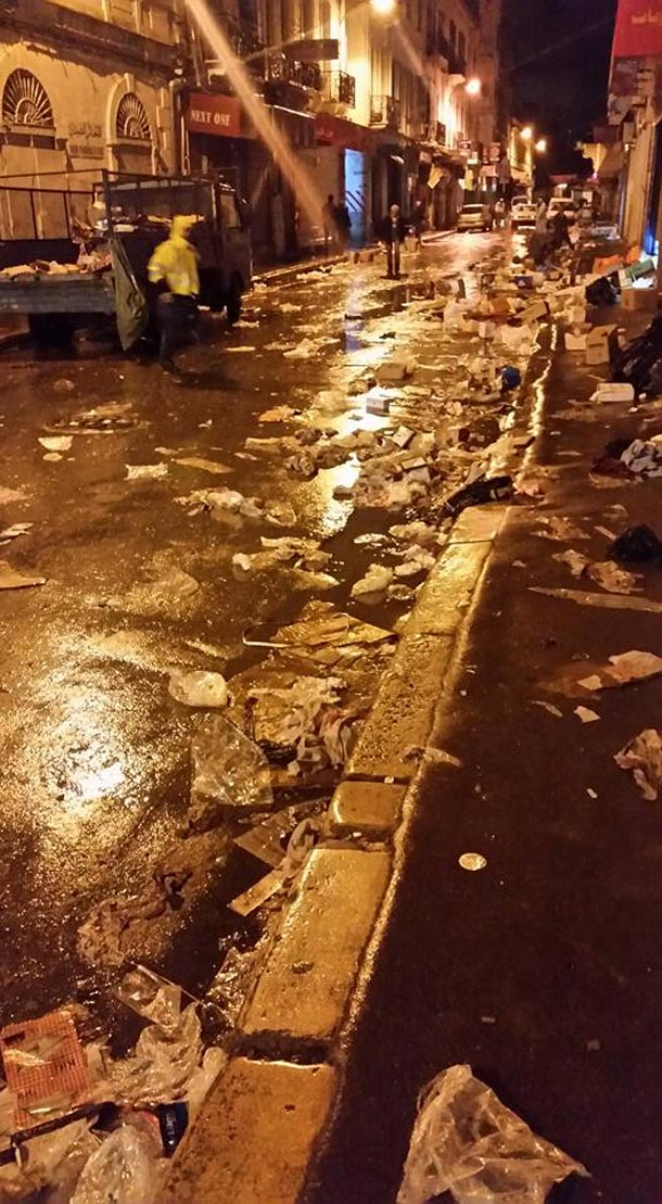En photo-Rue d'Espagne : Le spectacle désolant de déchets  qui s'y accumulent...