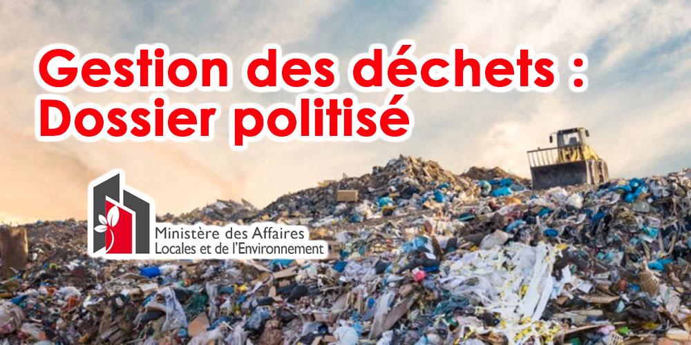 Ministre de l'environnement: le dossier de gestion des déchets est devenu politisé