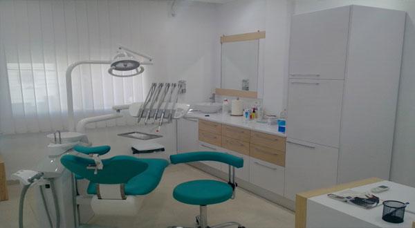 نقابة أطباء الأسنان ترفض مشروع قانون المالية لسنة 2017