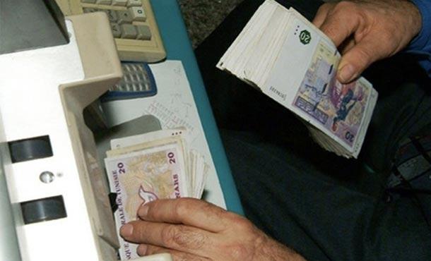 Un expert économique propose l'interdiction des paiements en espèce au-delà de 1 000 dinars