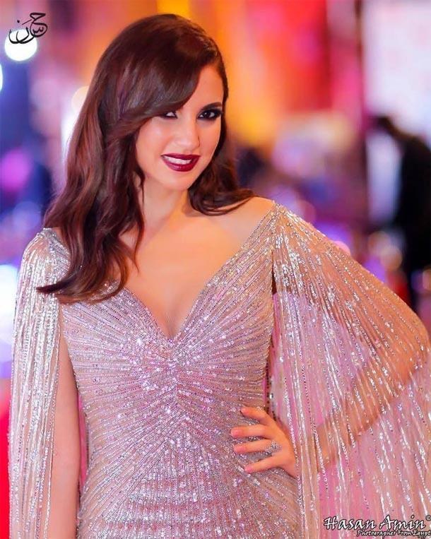 En photos : Dorra Zarrouk au Festival international du film de Dubaï dans une robe signée Hany El Behairy