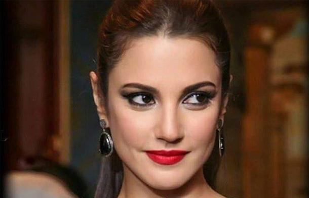 En photo : Dorra Zarrouk classée parmi les célébrités les plus mal habillées, selon le magazine Nawa3em