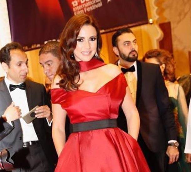 En  photos : Dorra Zarrouk fait sensation au DIFF avec sa jolie robe signée Marmar Halim