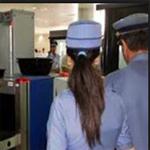 ضجة في الجزائر إثر منع موظفات الجمارك من ارتداء الحجاب