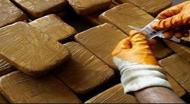 تونسية وسويسرية تتزعمان شبكة لتصدير المخدرات نحو أوروبا وحجز أكثر من قنطارين ونصف داخل سيارتيهما