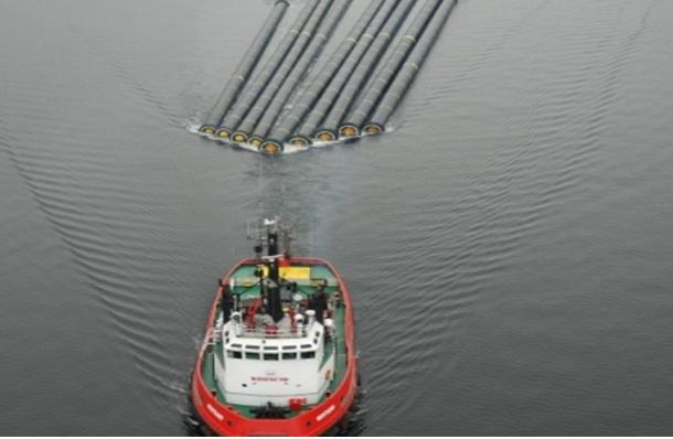 وصول معدات الجلب الخاصة بمحطة تحلية مياه البحر إلى ميناء جرجيس