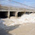 بسبب ارتفاع منسوب المياه:غلق جزء من الطريق الرابطة بين مفترق رواد وقلعة الأندلس
