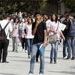 في عدد من الولايات :  ّحالة تذمر و إستياء و تلاميذ يرشقون المعاهد بالحجارة