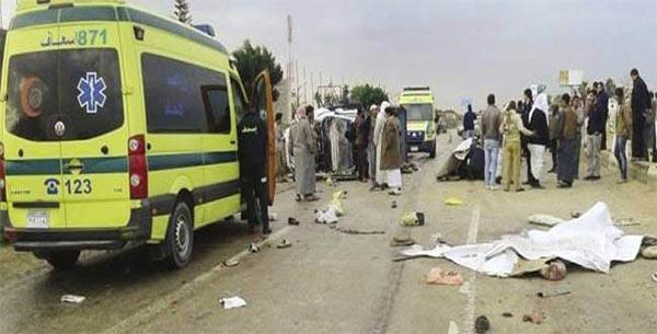 مصر: مصرع 5 أشخاص وإصابة 60 باصطدام حافلتين في السويس
