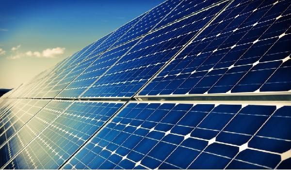 Le sud tunisien a les meilleurs taux d'énergie solaire au monde estime le M. de l'Énergie