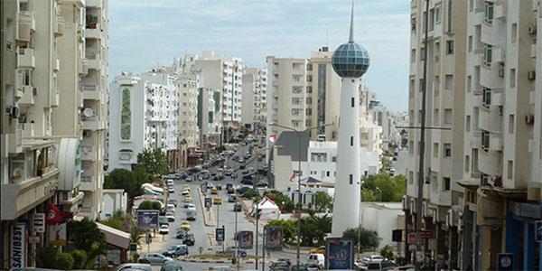 غلق الطريق الرابطة بين حي النصر وبرج التركي باريانة