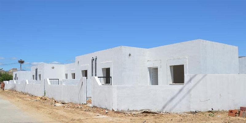 وزير التجهيز يتابع تقدم إنجاز 87 مسكن اجتماعي بغار الدماء