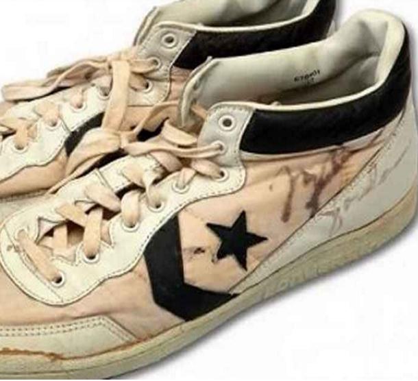 بيع حذاء الأمريكي مايكل جوردان بـ 190 ألف دولار