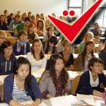 Des dizaines d'élèves d'une faculté privée découvrent qu'ils ont parrainé Yassine Chennoufi à leur insu