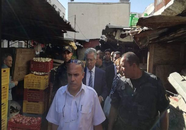 عمر منصور في زيارة ميدانية للسوق البلدي نهج المر والصباغين وباب الفلة بالعاصمة
