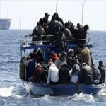 هلاك 19 مهاجرا إفريقيا اختناقا كانوا يحاولون الوصول إلى إيطاليا