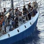 قتلى وإصابات في إطلاق نار لمسلحين على قارب للمهاجرين في السواحل الليبية