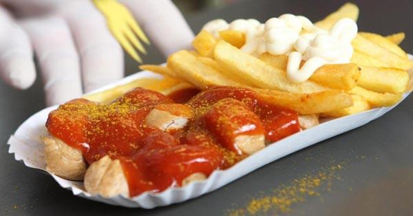 لماذا يجب التفكير مرتين قبل إعادة تسخين الطعام في الأواني البلاستيكة؟