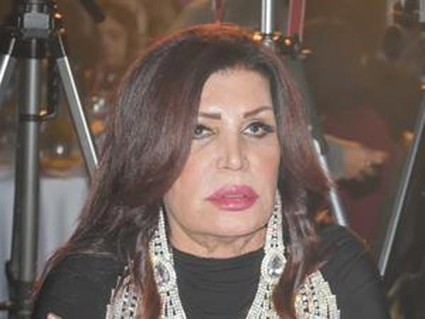 بالصور: هذا ما فعلته عمليات التجميل بنجوى فؤاد...تغيير مفاجئ في الشكل