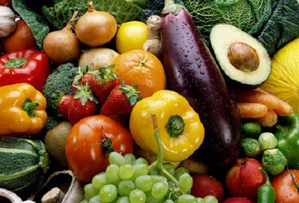 حيلة بسيطة لإزالة مبيدات الحشرات من الفواكه