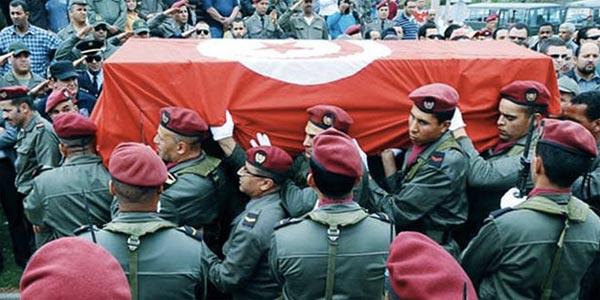 Aujourd'hui : Funérailles des 3 martyrs de Djebel Semama après un hommage à l'Aouina