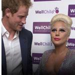 Le  Prince Harry et  le décolleté de Lady Gaga