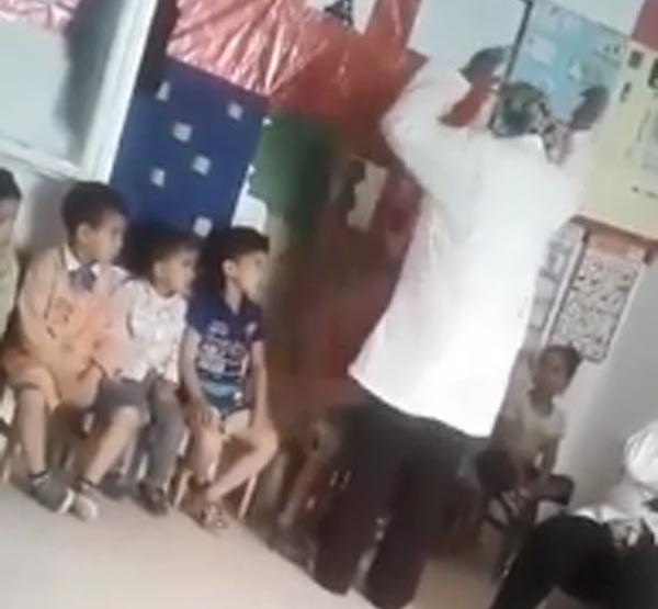 بالفيديو: بطريقة موجعة...مروّضة تضرب طفلا بإحدى رياض الأطفال والسلطات تتحرّك