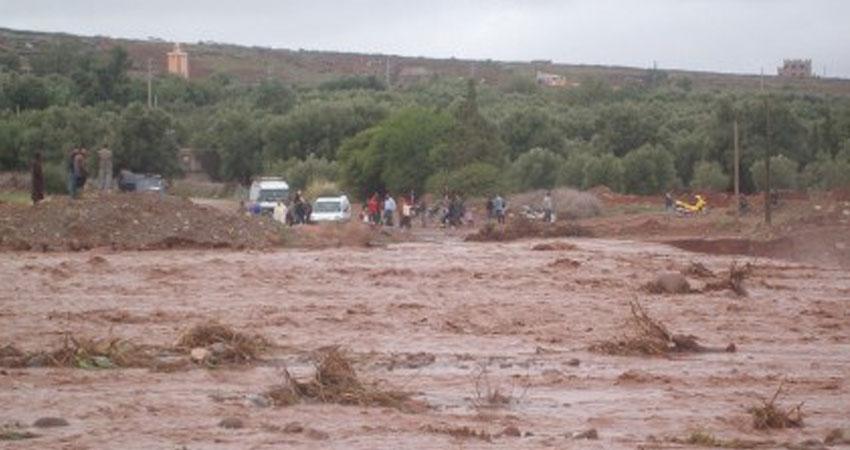 القصرين:فيضان وادي الرياحي بفوسانة يتسبب في جرف سيارة على متنها 3 أشخاص