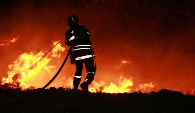 صفاقس: حريق هائل في محل لبيع البنزين