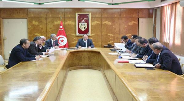 جلسة عمل حول استعدادات الخطوط التونسية للموسم السياحي
