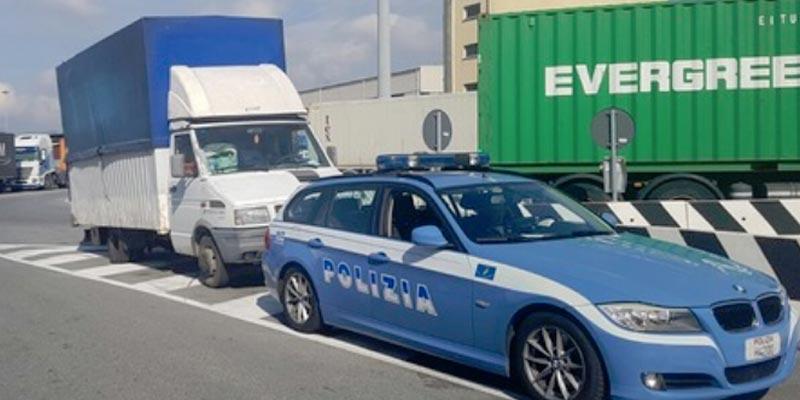 Des clandestins dans un conteneur venant de Tunisie au port de Gênes